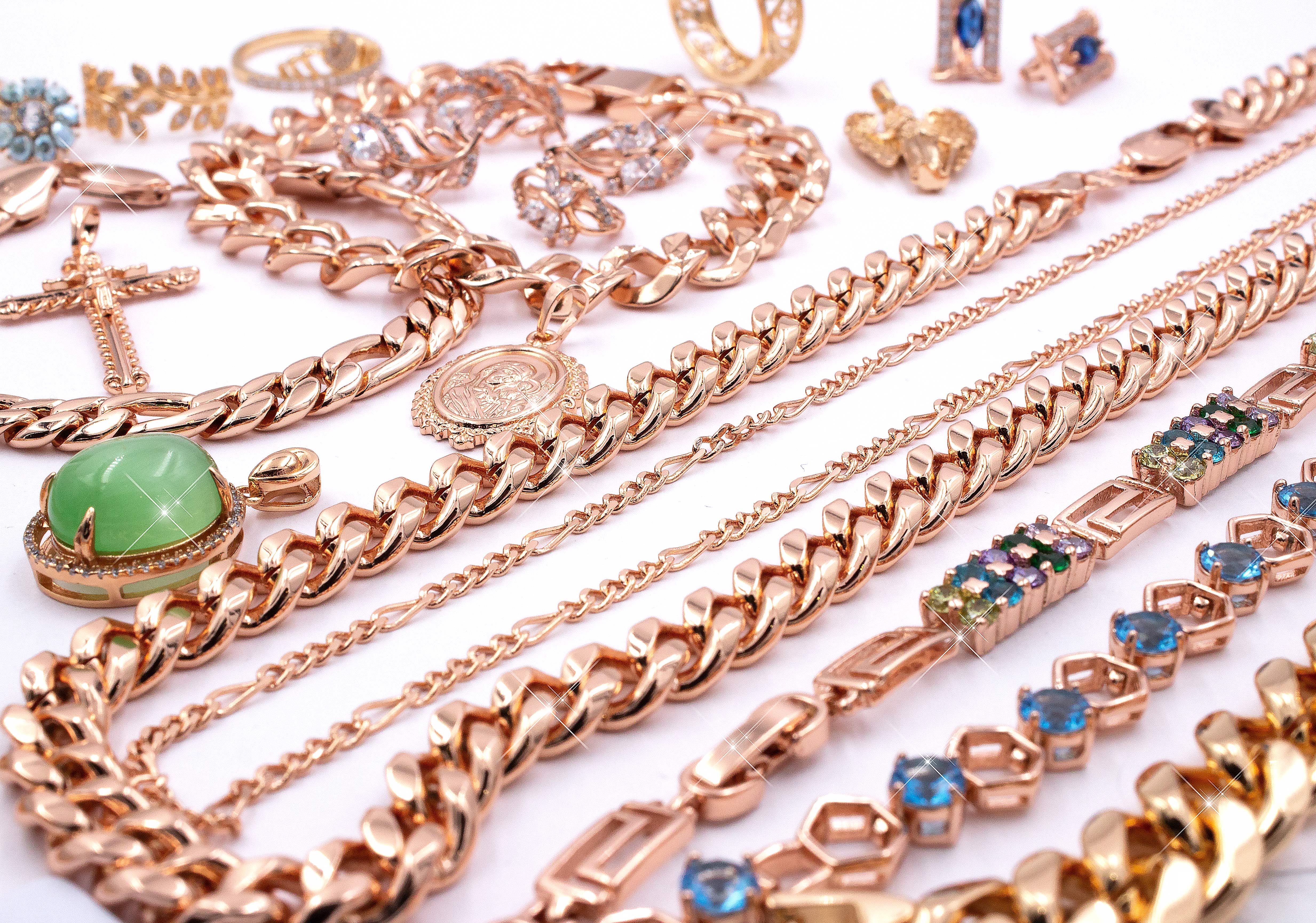 Фотография бижутерии из медицинского золота