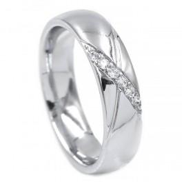 Обручальное кольцо - родиум 0,5 см , линия мелких камней по диагонали